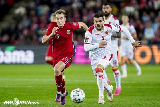 노르웨이 국가대표팀 경기에 출전한 크리스티안 토르스트베트. /AFPBBNews=뉴스1