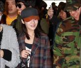 티아라 보람, '군인 팬과 수줍은 인사'