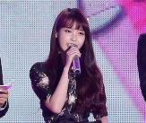 '사진 파문' 아이유, 첫 공식석상 참석
