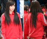 박봄, 인형몸매와 시선 사로잡는 스타킹