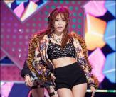 '티아라 유닛' 효민, 요염한 섹시 자태!
