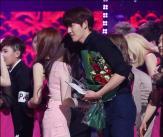 민아-김우빈, 아쉬운 마지막 포옹!