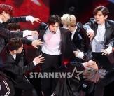EXO, 흡입력 강한 무대