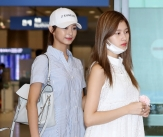 쯔위-사나, '비슷한 공항패션'