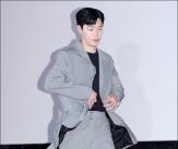 류준열, '잘 어울리는 오버핏 패션'