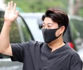 김호중 '날렵해진 턱선'
