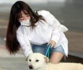 우주소녀 수빈 '잘생긴 럭키와 함께!'