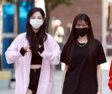 에스파 '꾸안꾸 출근길 패션'