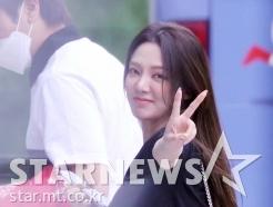 소녀시대 효연 '물오른 미모로 인사'